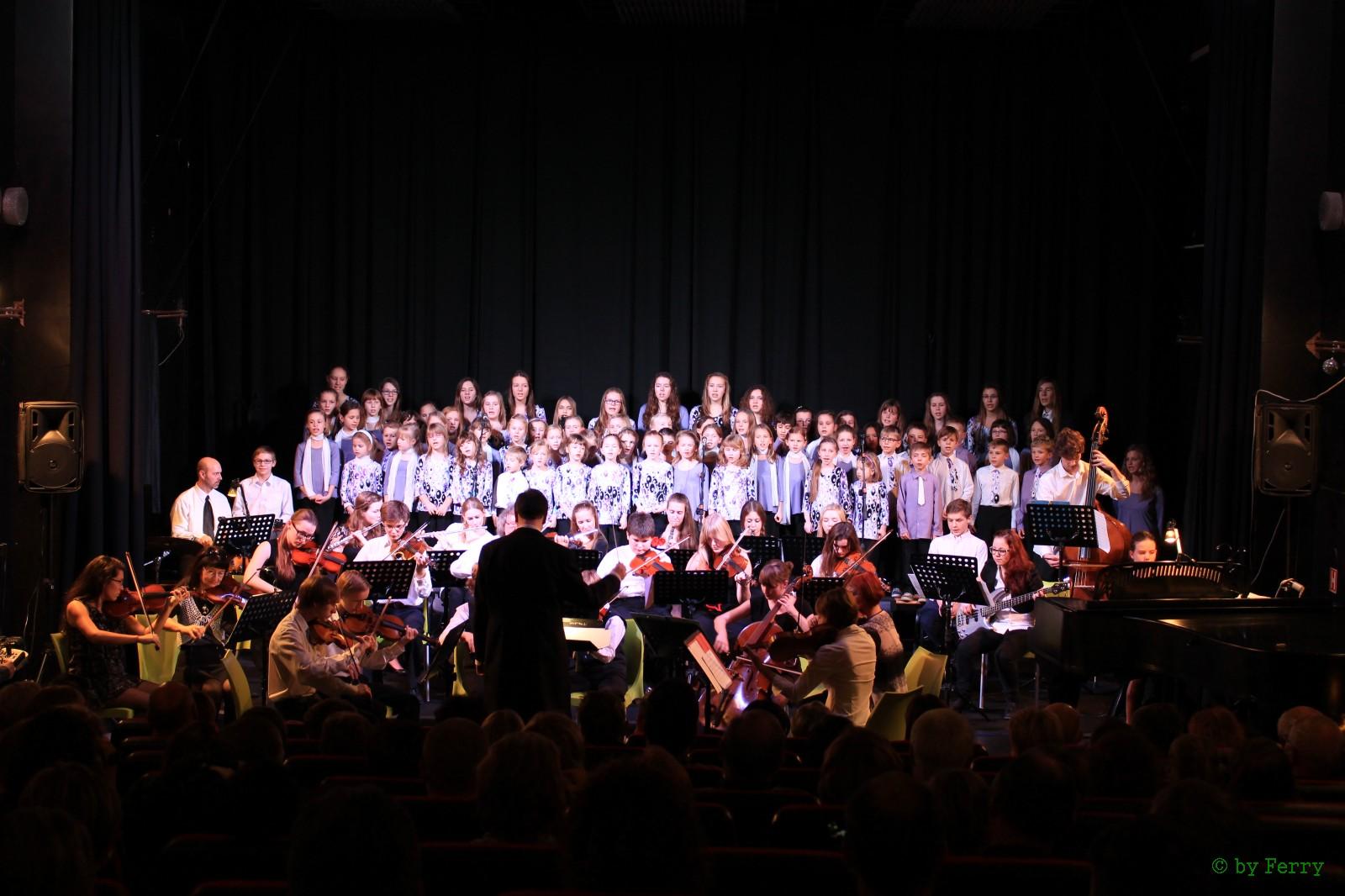 Vánoční koncert orchestru a sboru